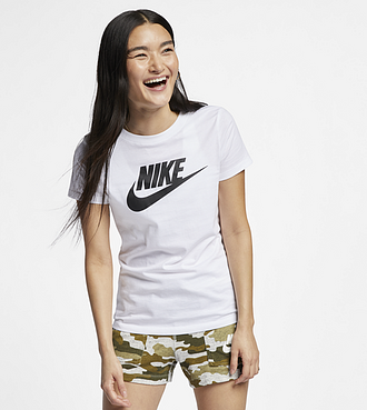 Tee-shirt Nike Sportswear Essential - Blanc