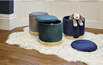 Velvet Storage Ottoman Upholstered Dressing table stool in navy blue - Roomee