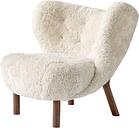 &Tradition Little Petra lounge chair, Moonlight sheepskin - walnut